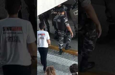 Choque da PM impede a invasão da Assembleia Legislativa do Piauí